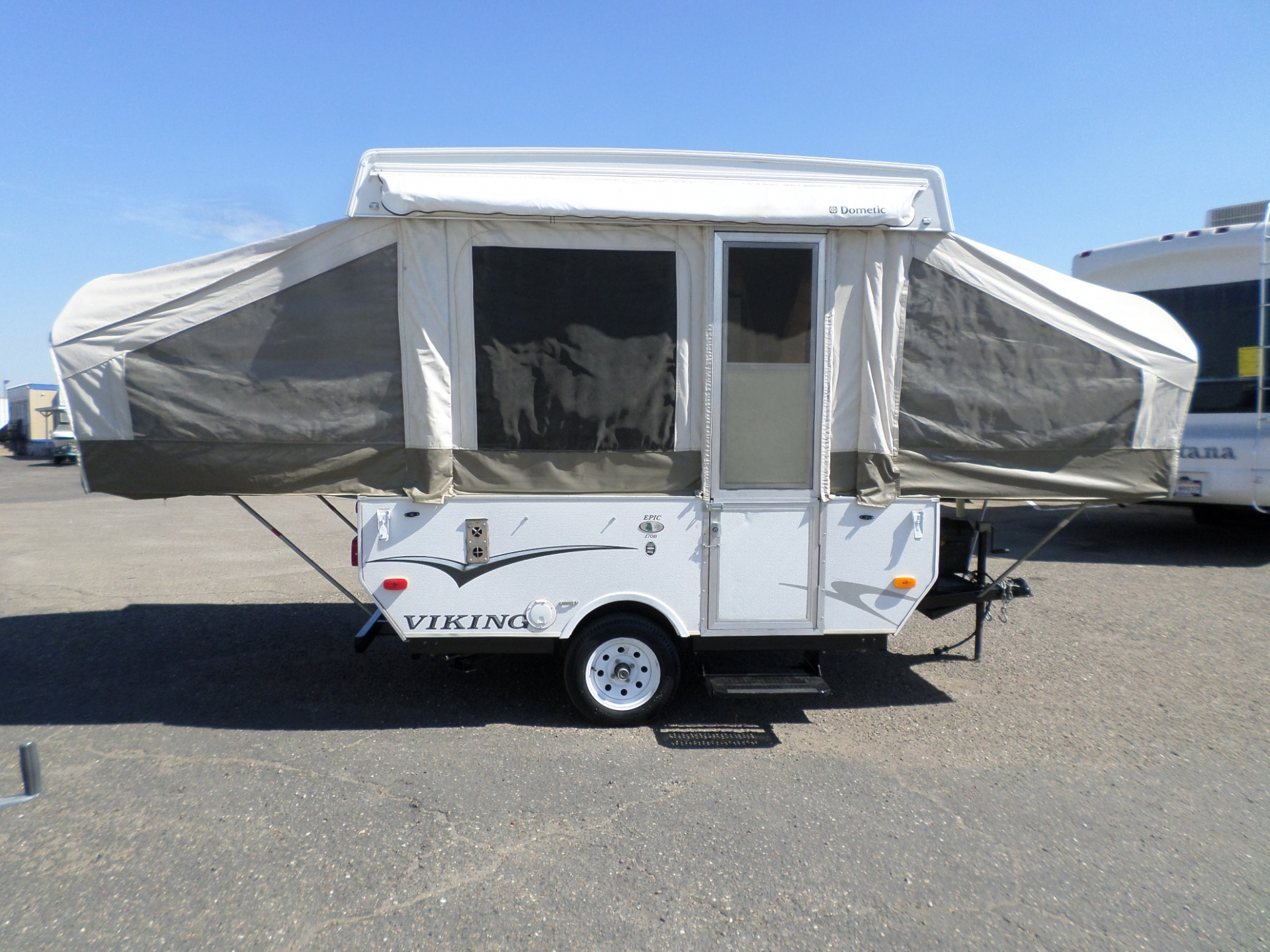 2010 Viking Epic 1706 Pop-Up Tent Trailer