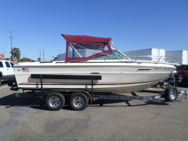 1979 Sea Ray 220 Cuddy