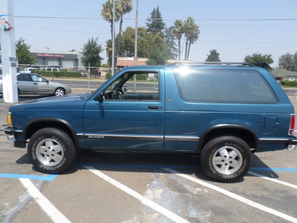 1991 chevy blazer tahoe s 10 for sale by owner in lodi stockton ca. Black Bedroom Furniture Sets. Home Design Ideas