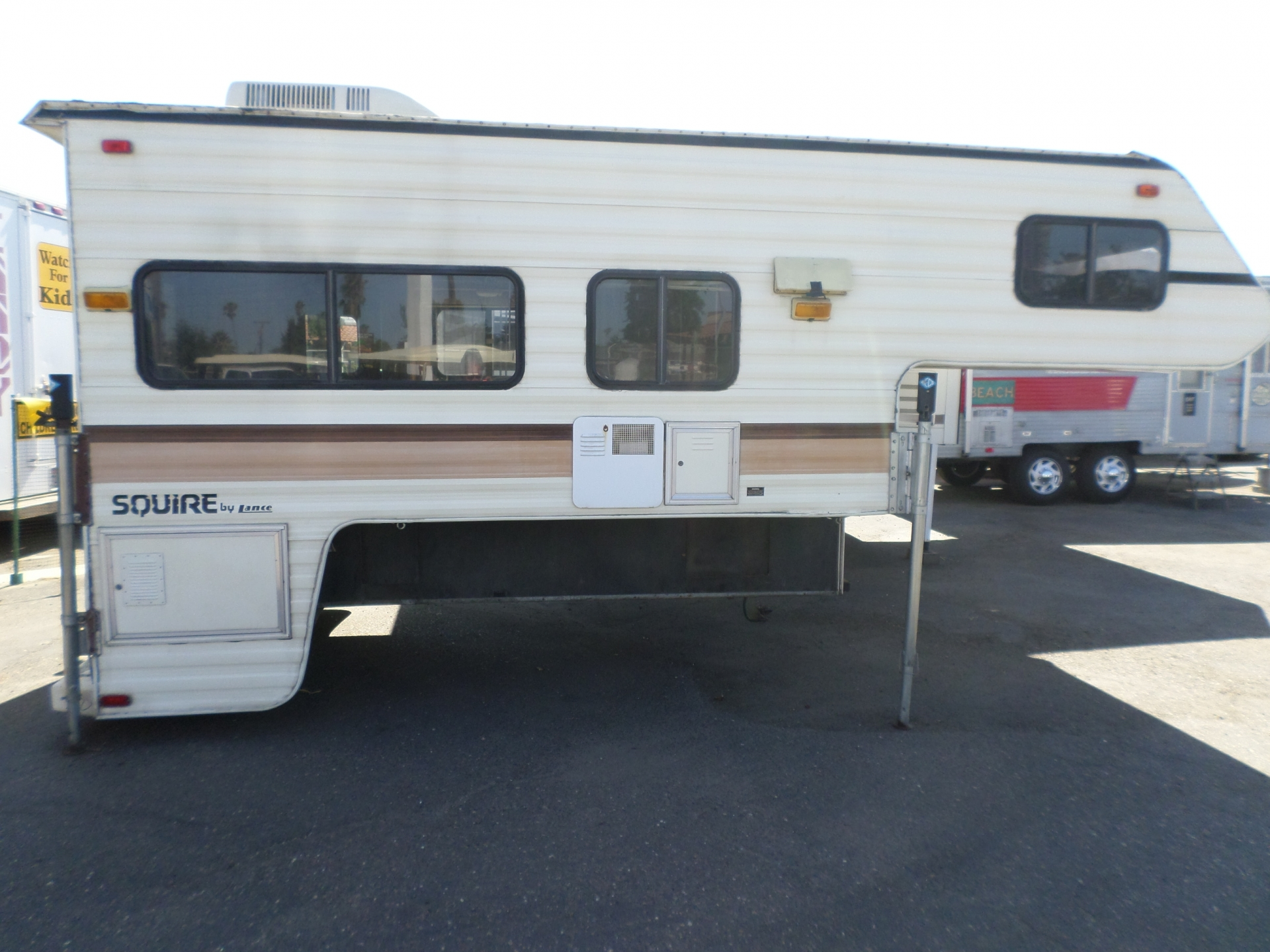 1991 Lance Squire Cabover Camper