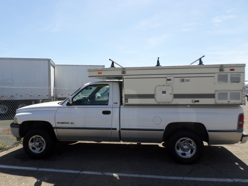 Truck for sale: 1994 Dodge 1500 with Pop-Up Camper in Lodi