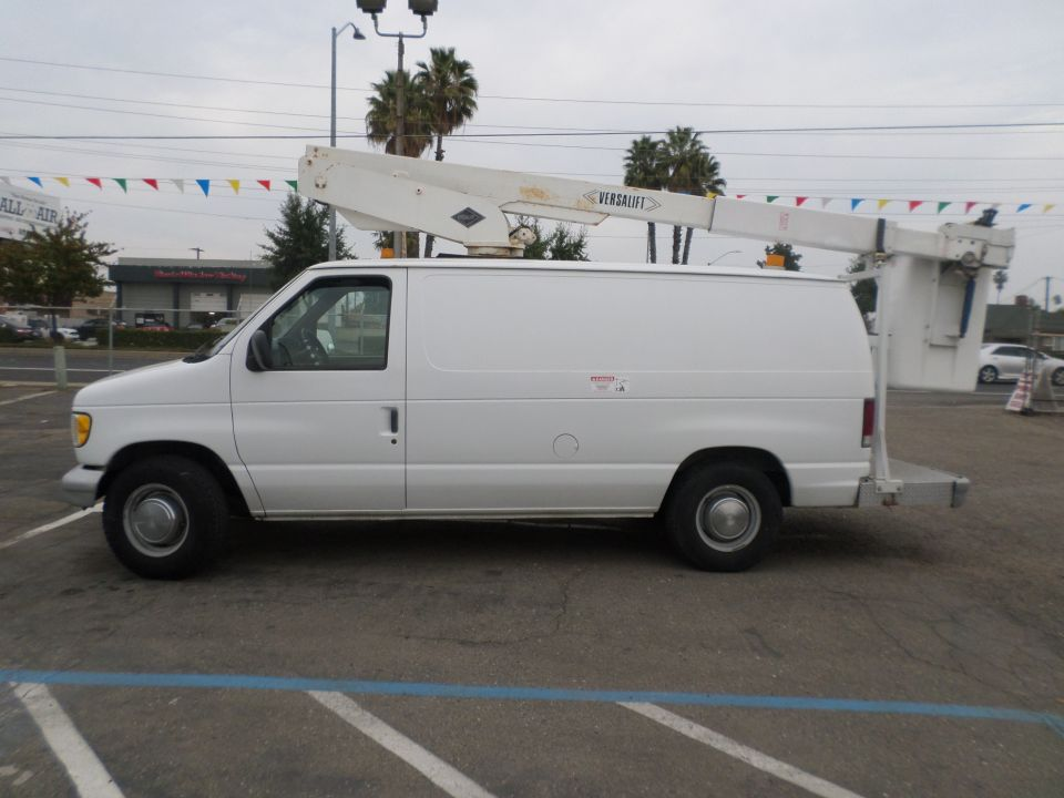 Ford E-350 Bucket Van 1995