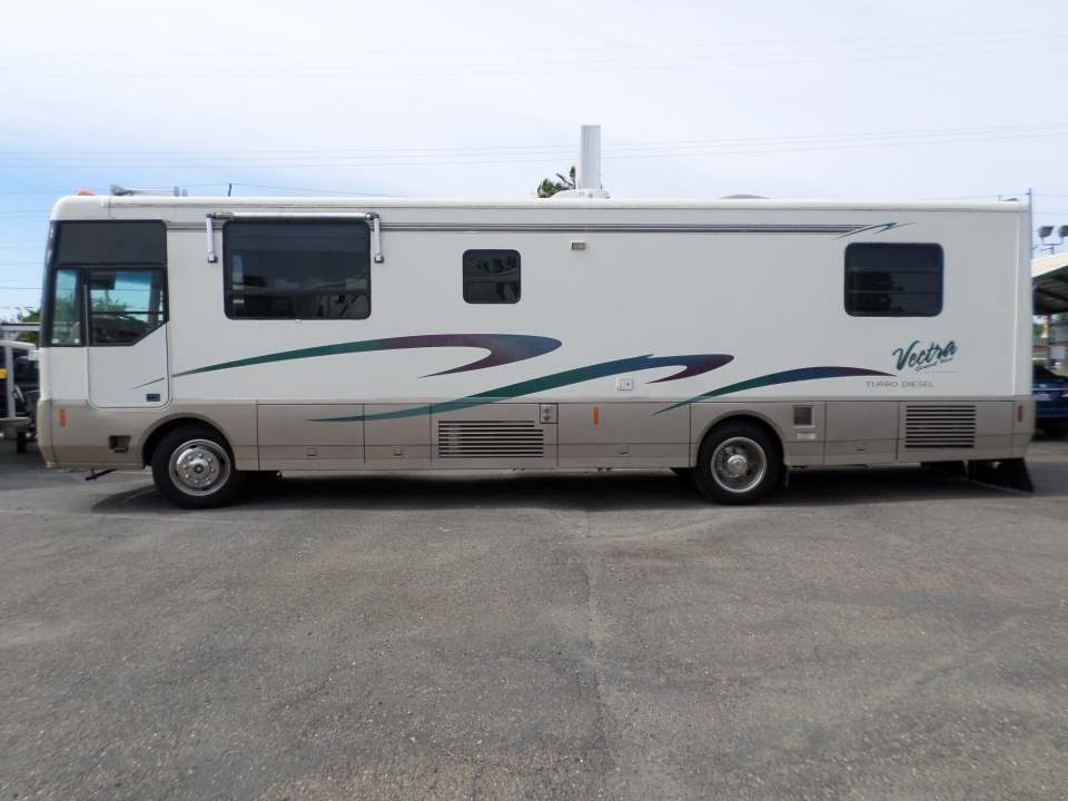 Winnebago Vectra Grand Tour 36WA Diesel Pusher 1996
