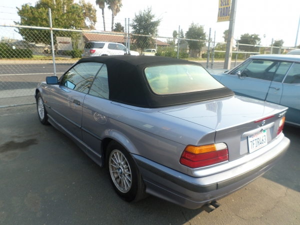 BMW 328i CONVERTIBLE 1997