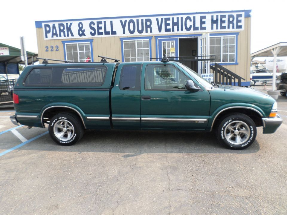 Chevrolet S10 Pick Up Truck 1998