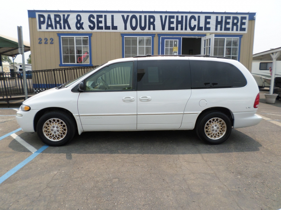 Chrysler Town and Country LXi Gold Edition 1998