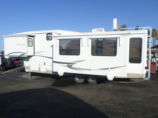 Alpenlite 32RL Fifth Wheel 2001