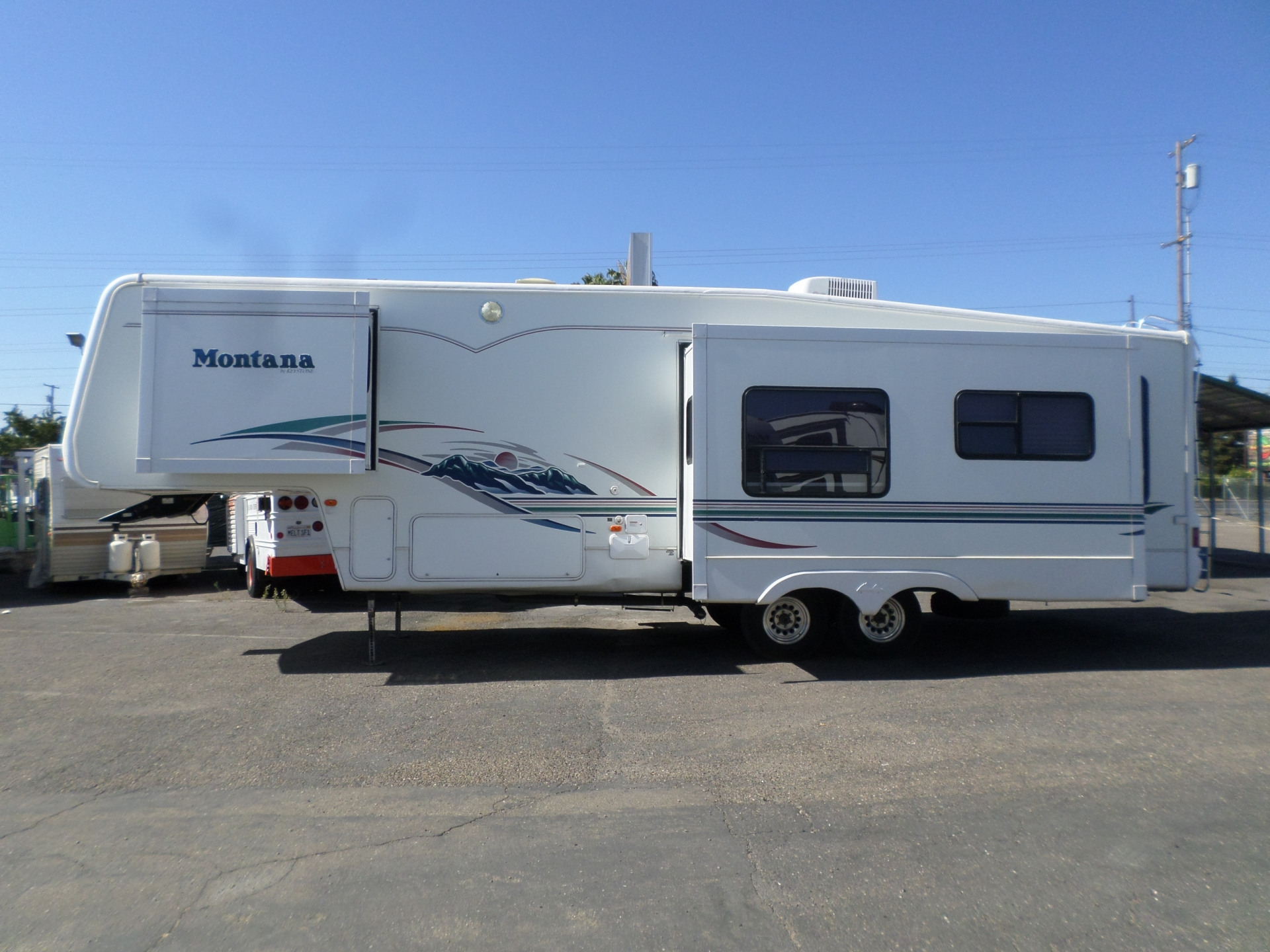 Keystone Montana 32 RL Fifth Wheel 2002