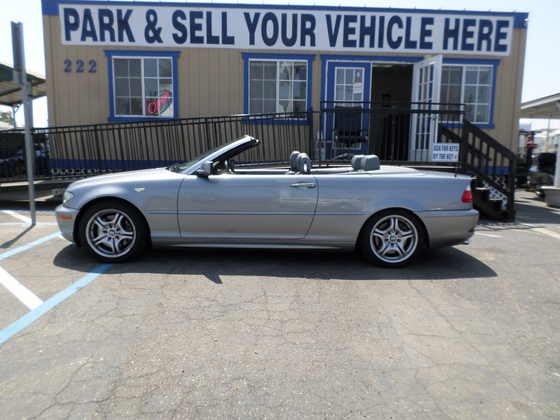 BMW 330CI Convertible Coupe 2004