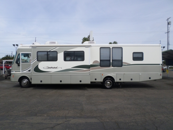 Fleetwood Southwind Workhorse 2004