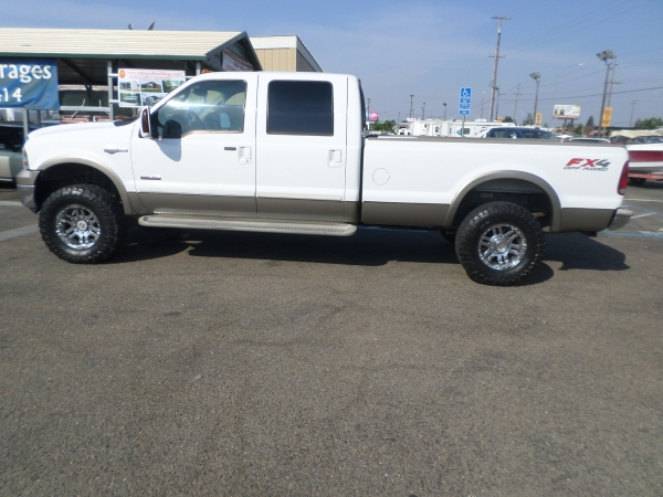 Ford F-350 King Ranch Lariat Crew Cab 2005