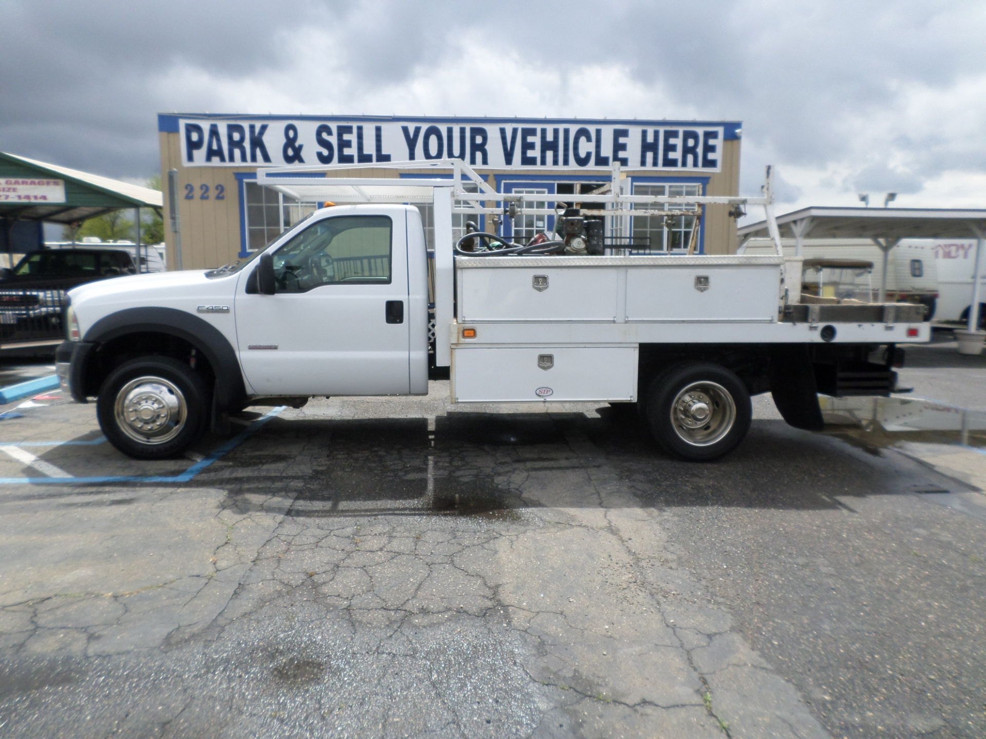 Ford F450 Diesel Dually Flatbed Work Truck 2007