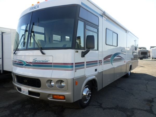 Winnebago Itasca Suncruiser 35 ft. 2000
