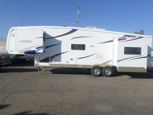 Holiday Rambler Alumascape 5th Wheel 33 2009