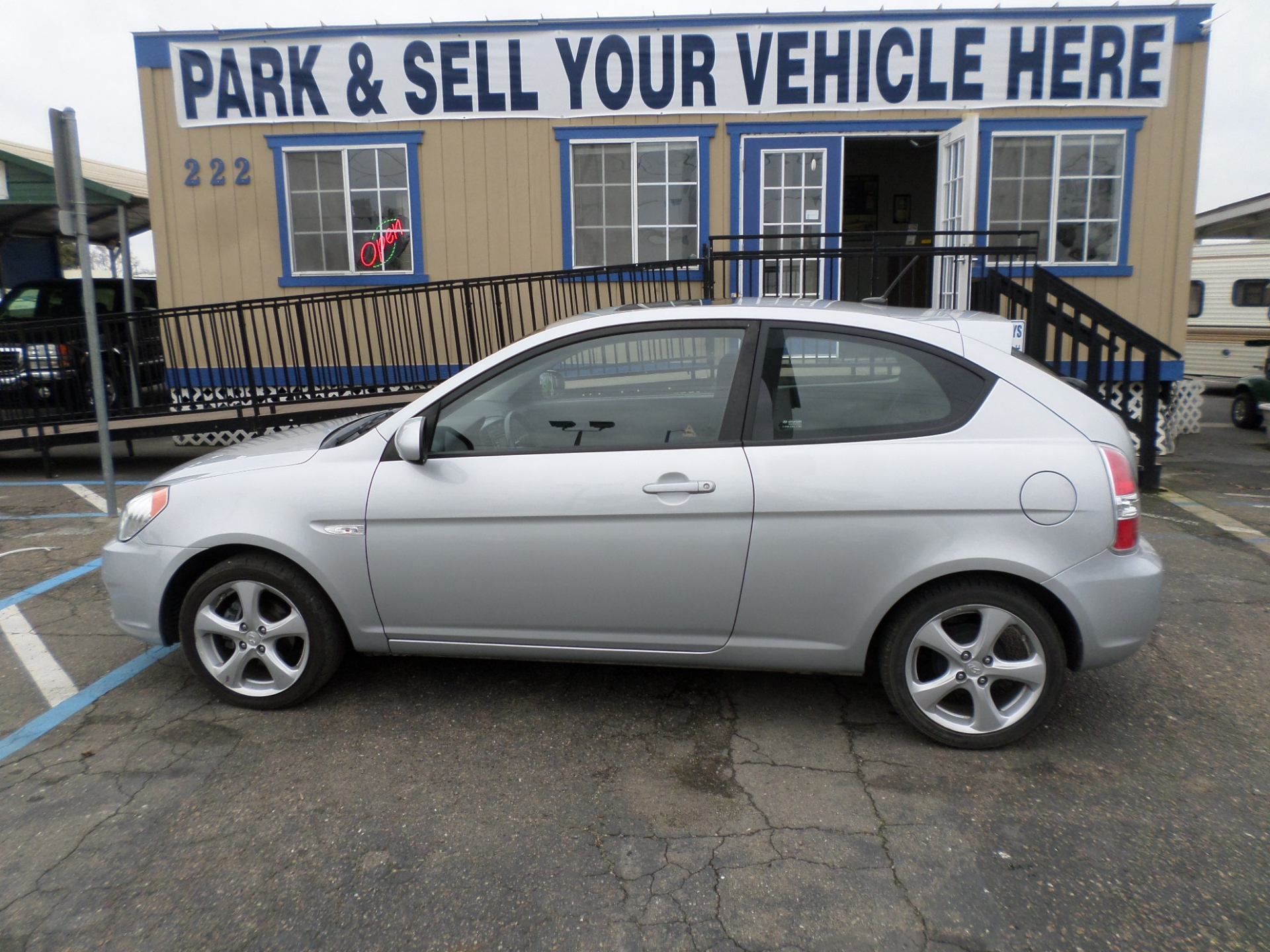 Hyundai Accent Hatchback 2010