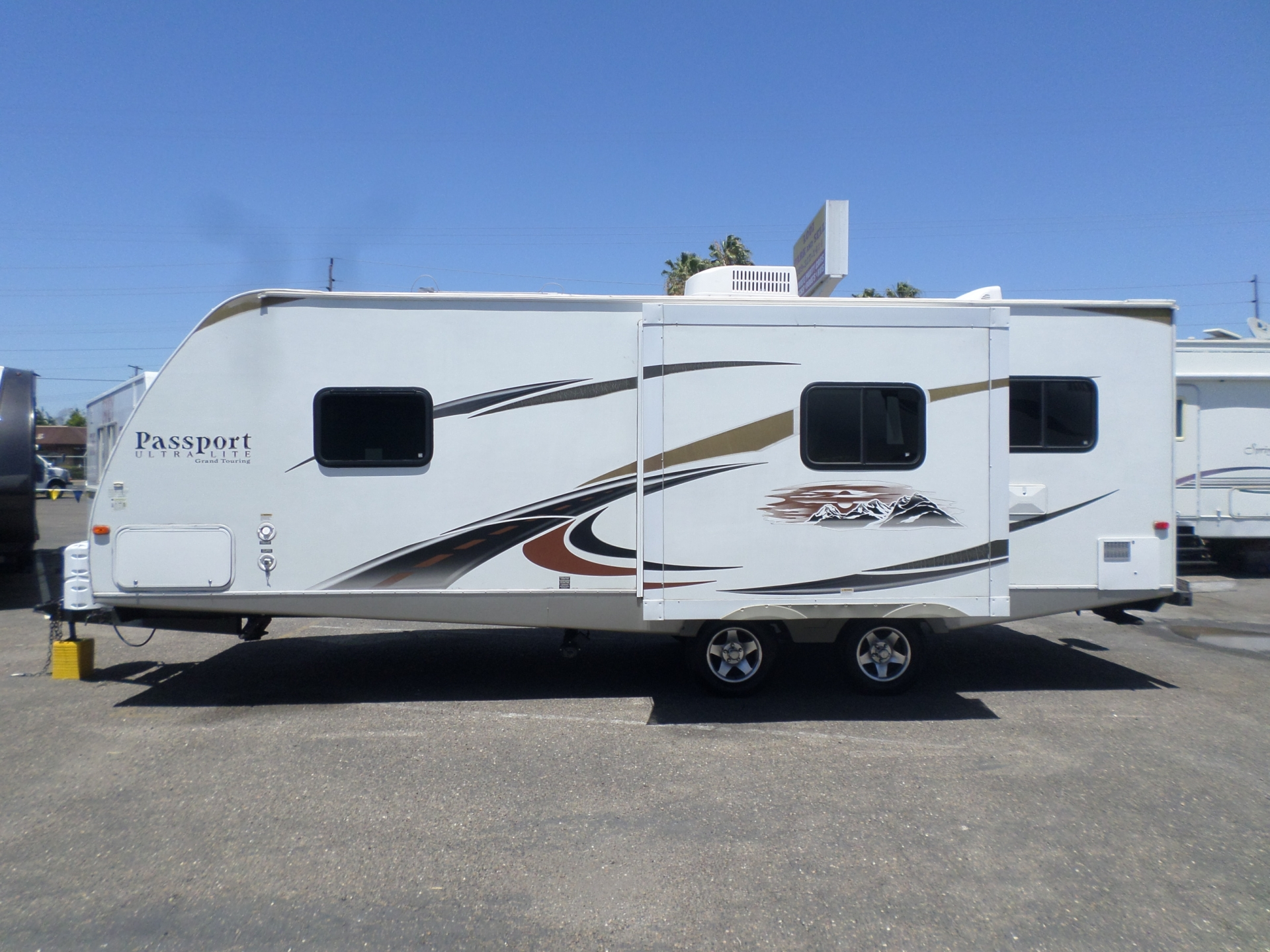 Keystone Passport Ultra-Lite Grand Touring 2012