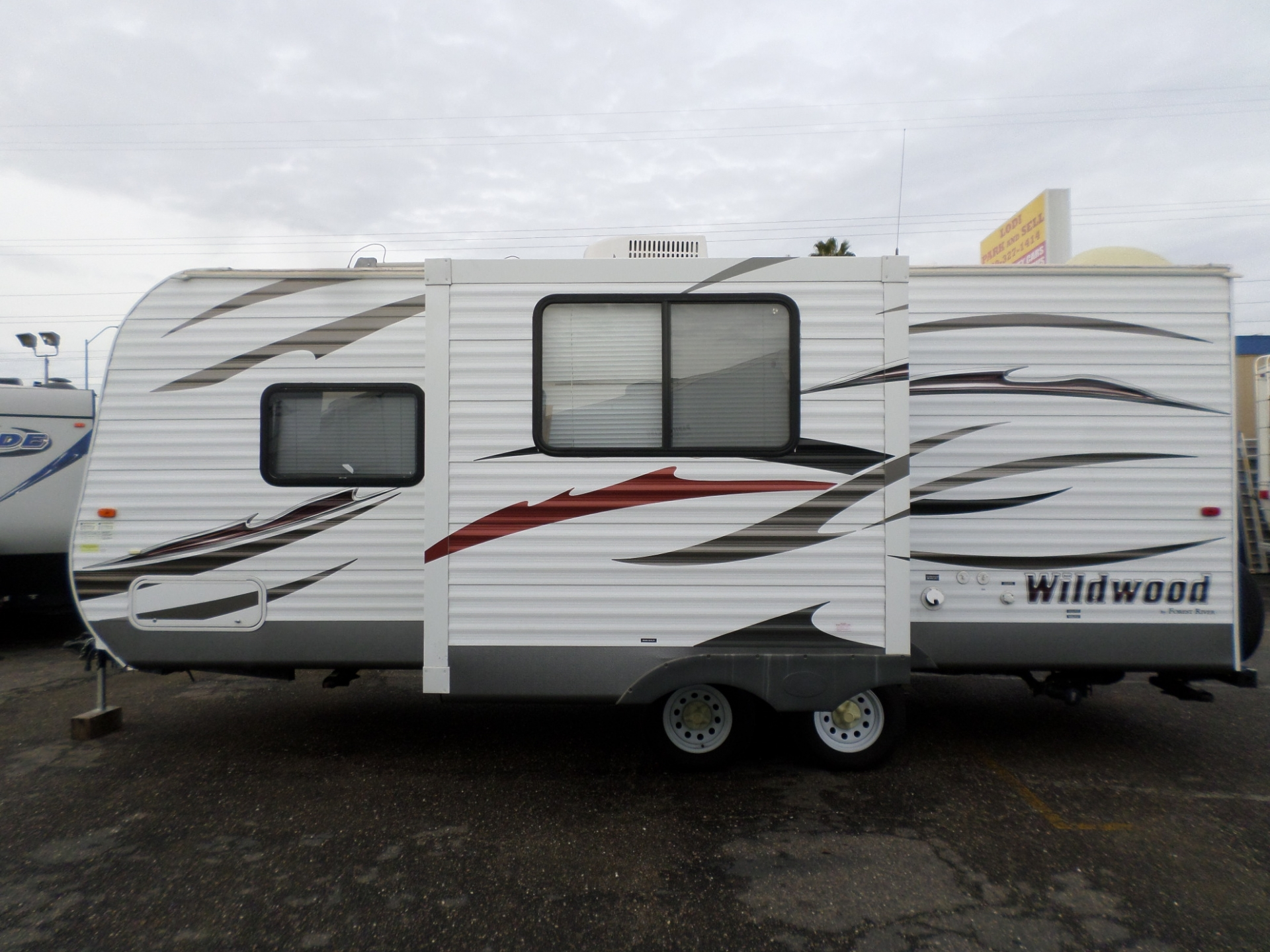 2013 Forest River Wildwood Travel Trailer Camper