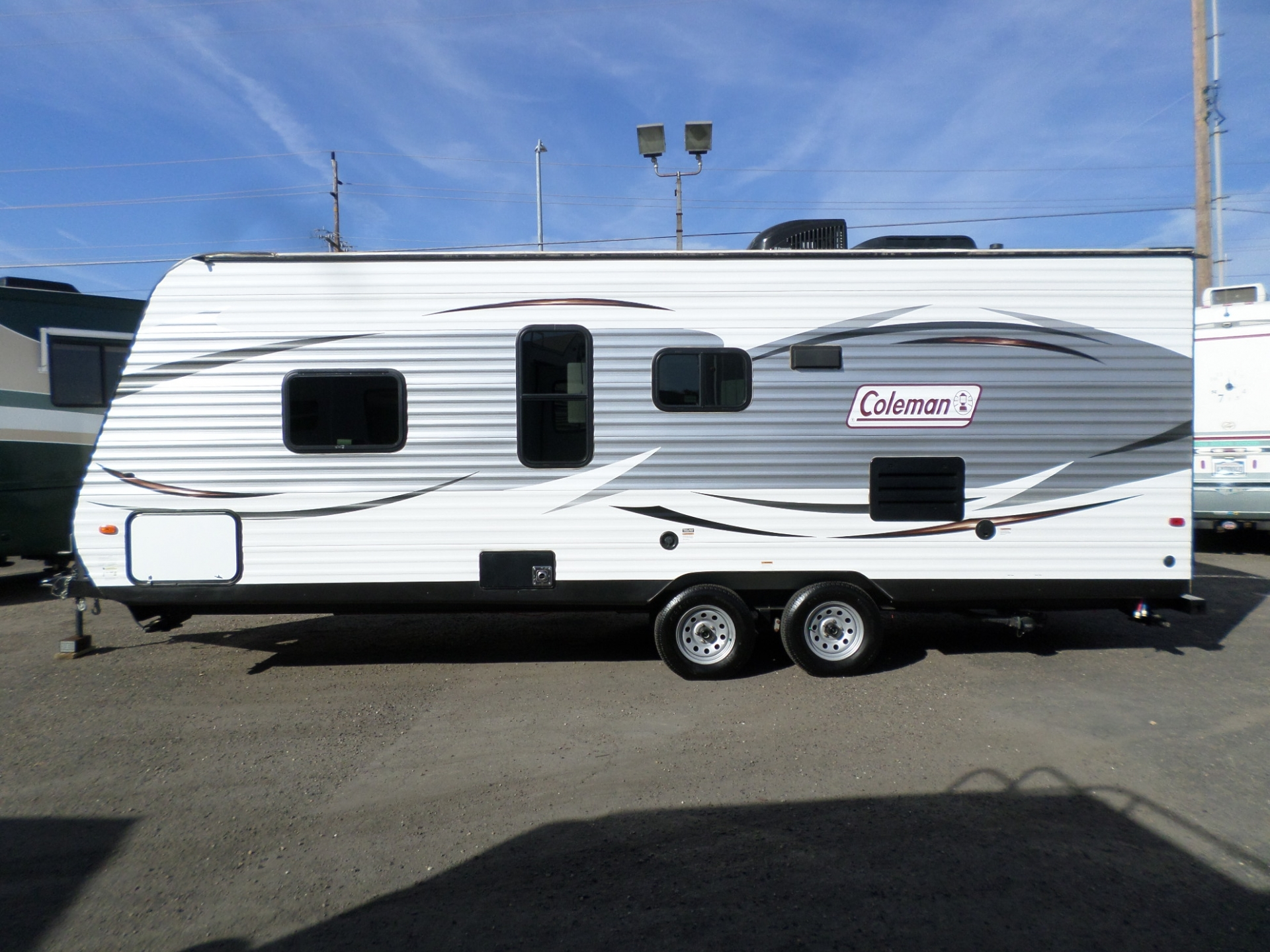 Dutchmen Coleman Travel Trailer 235QB 2016