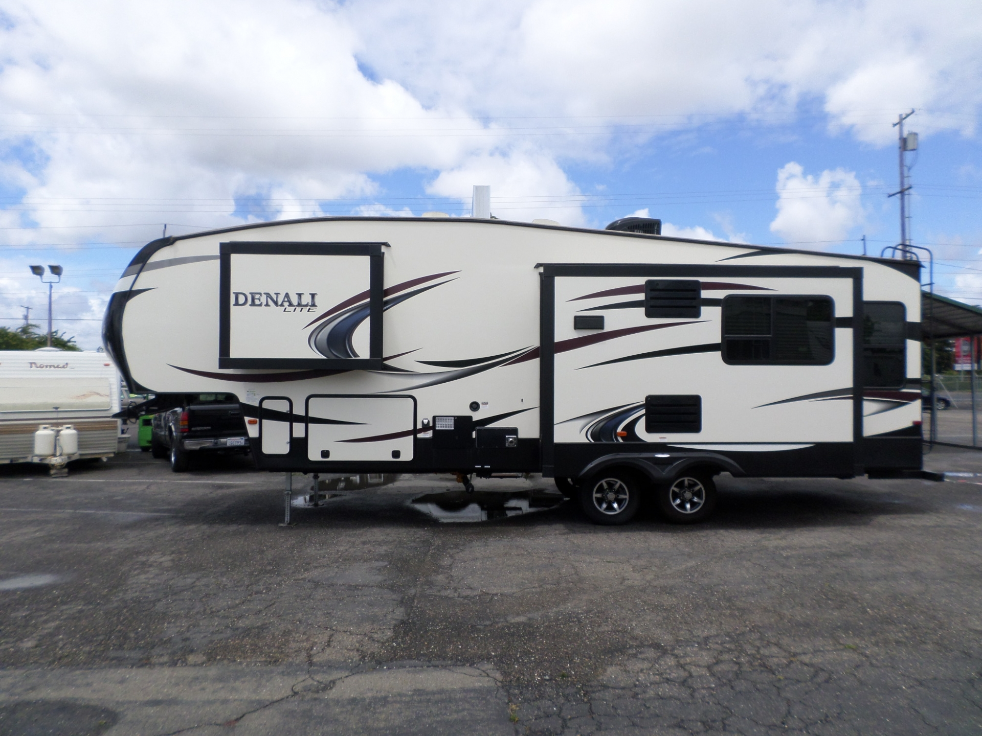 2016 Dutchmen Denali 5th Wheel