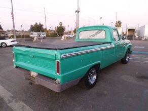 1965 Ford F100 Photo 3