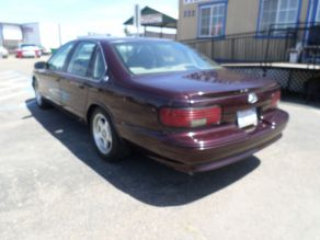 1995 Chevrolet Impala SS Photo 3