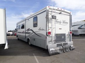 1999 Winnebago Adventurer Diesel Pusher Photo 3