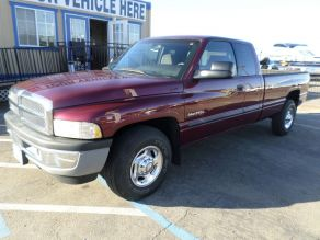 2001 Dodge 2500 SLT Lariat Extended Cab Photo 2
