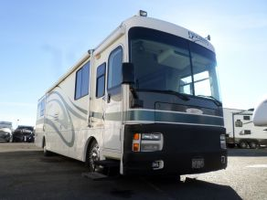 2001 Fleetwood Discovery Class A Motorhome Diesel Pusher Photo 2