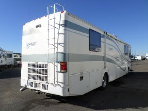 2001 Fleetwood Discovery Class A Motorhome Diesel Pusher Photo 3