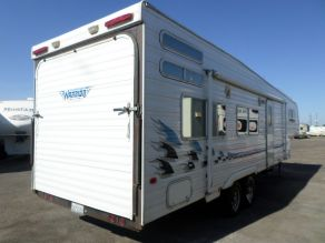 2004 Weekend Warrior LE3305 5th Wheel Toy Hauler Photo 3