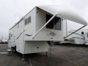 2005 Alfa See Ya 5th Wheel Photo 2