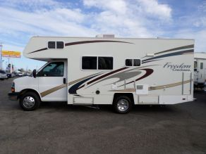 2005 Coachman Freedom Photo 1