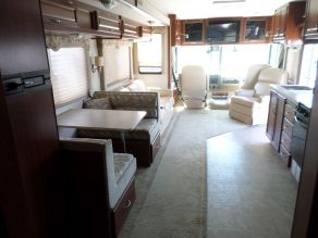 2006 Fleetwood Bounder Class A Motorhome Photo 4