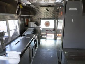 2006 Ford E450 Food Truck Photo 4