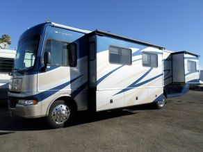 2008 Fleetwood Fiesta LX 34G Class A Motorhome Photo 2