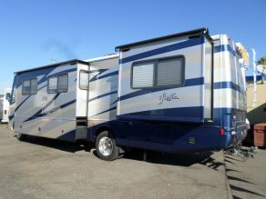 2008 Fleetwood Fiesta LX 34G Class A Motorhome Photo 3