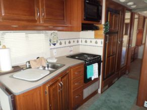 2008 Fleetwood Fiesta LX 34G Class A Motorhome Photo 5