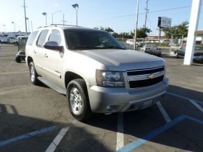 2009 Chevrolet Tahoe 4x4 Photo 2