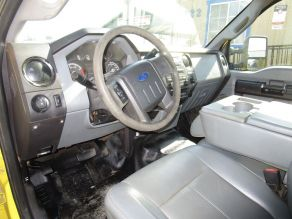 2011 Ford F550 Cab  Chassis Photo 5