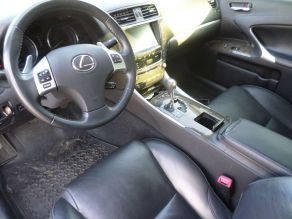 2011 Lexus IS350 Photo 4