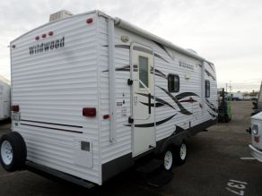 2013 Forest River Wildwood Travel Trailer Camper Photo 4