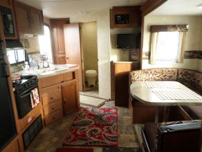 2013 Forest River Wildwood Travel Trailer Camper Photo 5