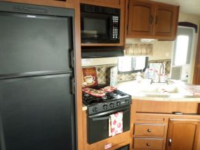 2013 Forest River Wildwood Travel Trailer Camper Photo 6