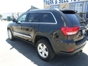 2013 Jeep Grand Cherokee Laredo Photo 3