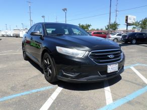 2014 Ford Taurus Limited Photo 2