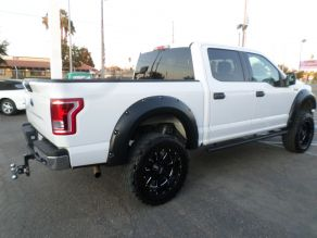 2016 Ford  4X4 F-150XLT Super Crew Cab Photo 3