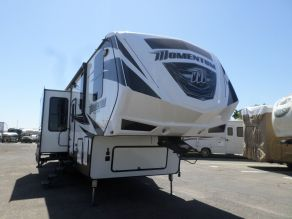 2017 Grand Design Momentum M350 5th Wheel Toy hauler Photo 2