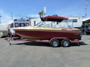 1983 Wellcraft 196 Sunhatch  20'
