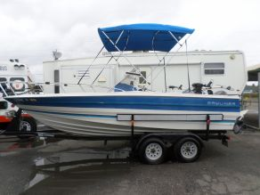 1988 Bayliner Walk Around Console Trophy Fishing Boat