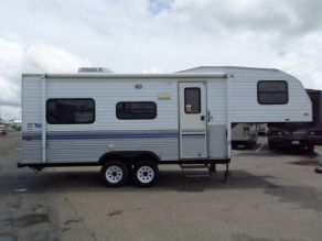 1996 Fleetwood Terry 5th Wheel  22'